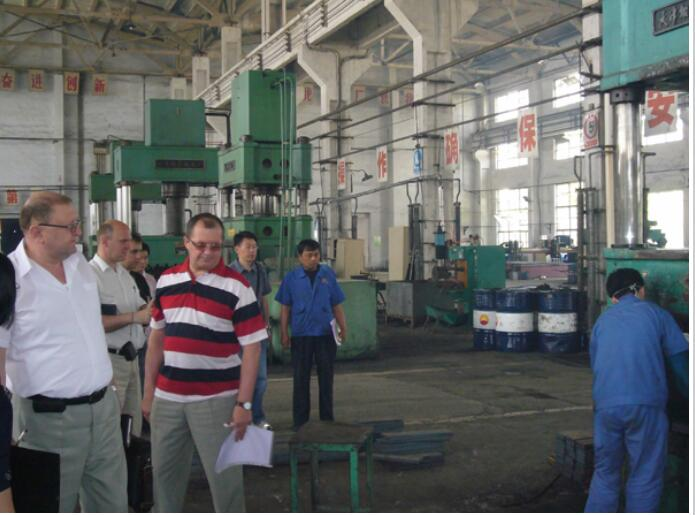 Customers from USA visit the factory on June 14th.